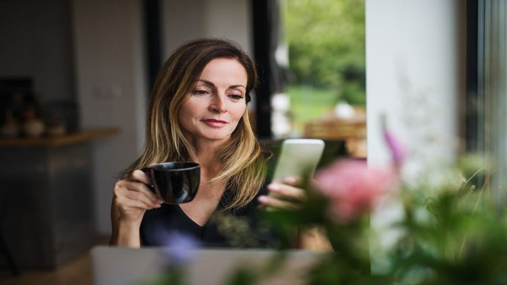 Apps for contemporary Women: 5 Best Apps to Balance a Woman's Social Life & Wellbeing