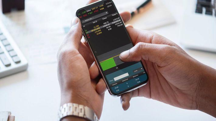 5 Best Stock Market Apps for Market Research Via Smartphone