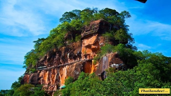Visiting Wat Phu Tok Is a Life-Changing Experience