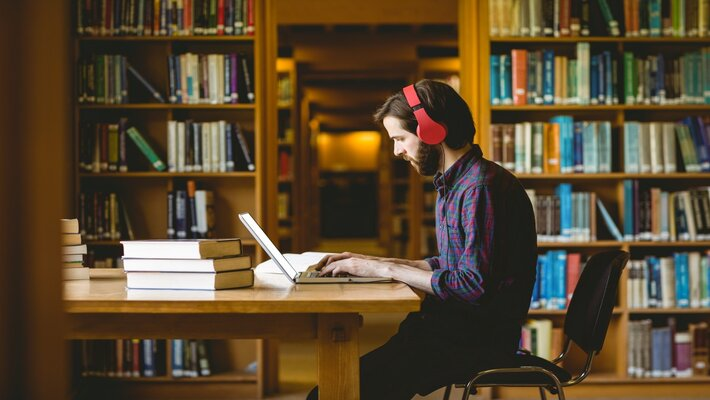 How Music Helps in Changing Climate for Studying