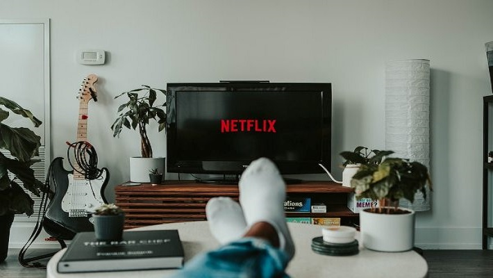 Top 7 Must Watch Movies & Series in Netflix